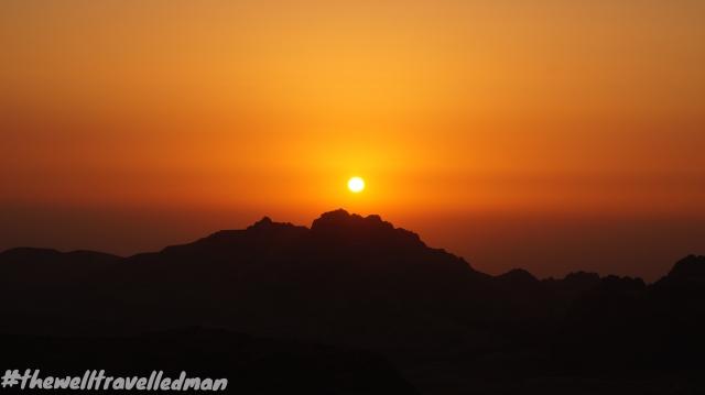 thewelltravelledman petra sunset