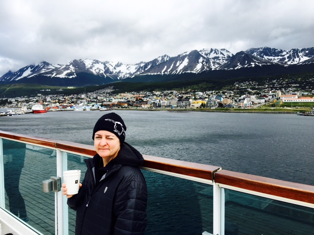 Even the beautiful backdrop and strongly laced hot chocolate wasn't enough to make our entry to Ushuaia warm!